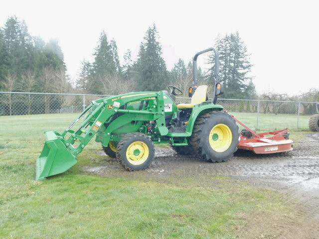 Where to rent JD 3033R-W BUCKET   MOWER in Sandy OR, Boring Oregon, Damascus, Estacada, Mt. Hood, & Clackamas OR