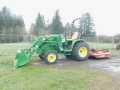Where to rent JD 3033R-W BUCKET   MOWER in Boring OR