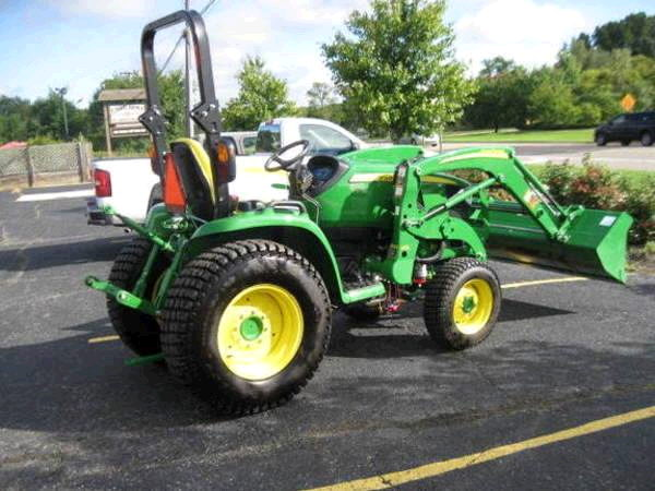 Where to rent JD 3033R-W BUCKET in Sandy OR, Boring Oregon, Damascus, Estacada, Mt. Hood, & Clackamas OR